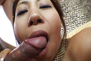 Japońska laska obciąga penisa