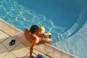 Sex z mamuśką w basenie