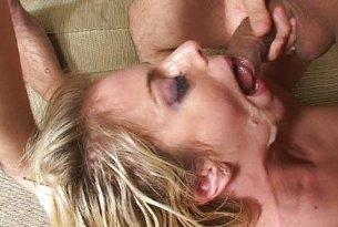 Angela Ston uwielbia spermę na twarzy