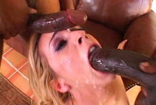 Dziki sex blondynki z murzynami