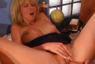 Jebanie blondynki z dużymi cyckami