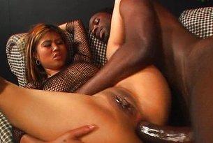 Sex analny azjatki z murzynem