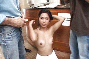 Sex z recepcjonistką w banku spermy