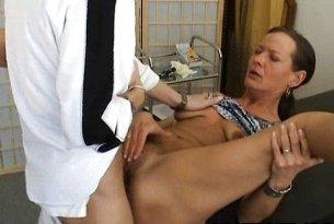 Sperma w cipce dojrzałej amatorki