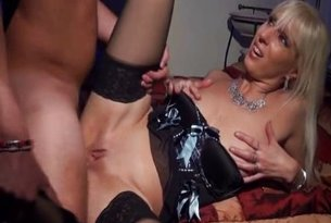 Sex analny dojrzałej laski