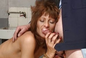 Sex z dwoma facetami w więzieniu
