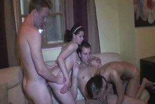 Nastolatki mające sex imprezę